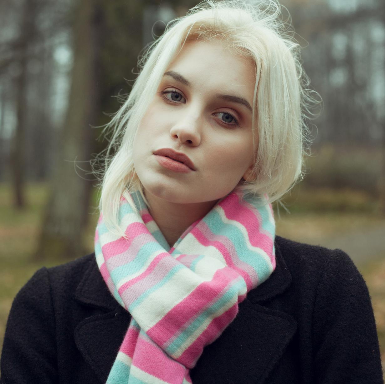 Knitted Stripey Scarf - 170x25cm - 100% Cashmere - Grey Scale