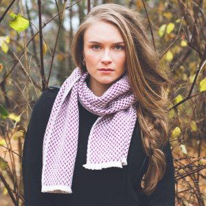Herringbone Scarf - 25x160cm - 100% Cashmere - Black and Larkspur
